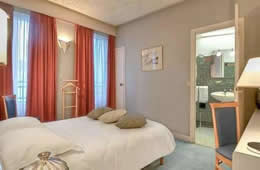 Lyon Bastile Hotel - Paris & Rome City Break