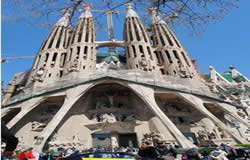 Sagrada Familias Tour - Barcelona City Break Holiday