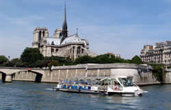 Paris City Break - Boat Tour